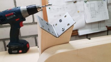 Jig for drilling straight holes